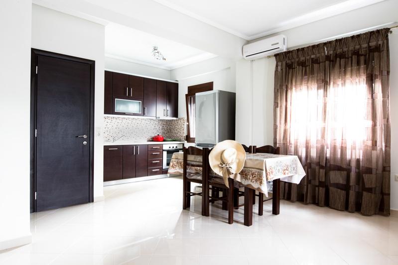 Studios Quot Megas Alexandros Quot For Rent In Nea Vrasna Rent Rooms Rent Apartments Rent Studios